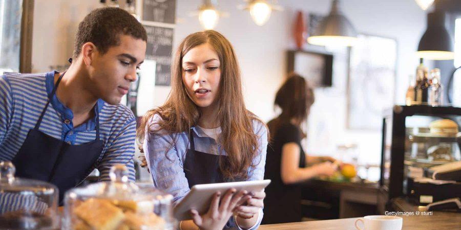 Embauche de jeunes en job d'été : quelles sont les règles ?